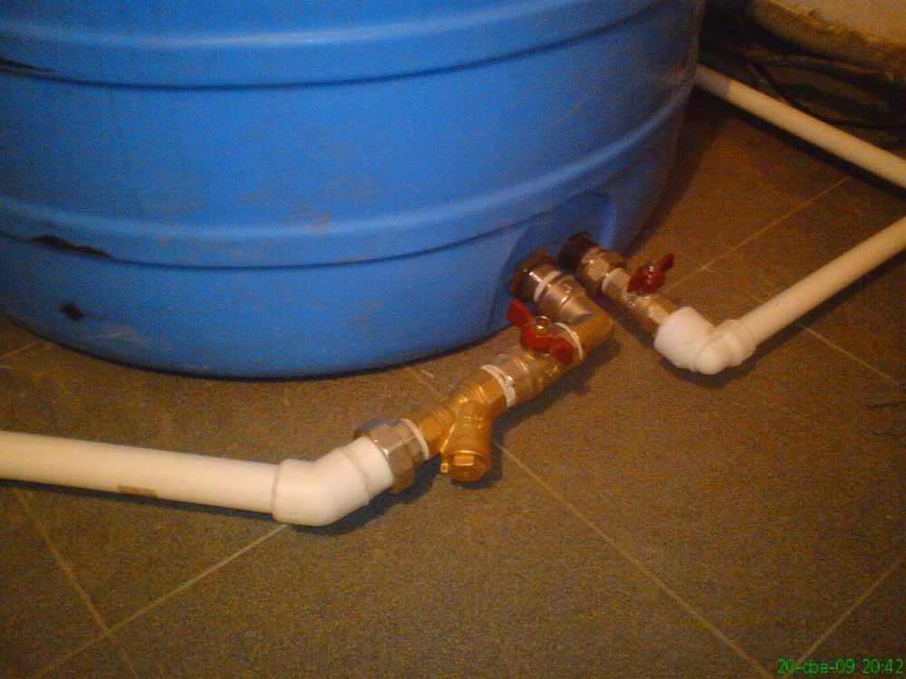 Обвязка емкости водоснабжения